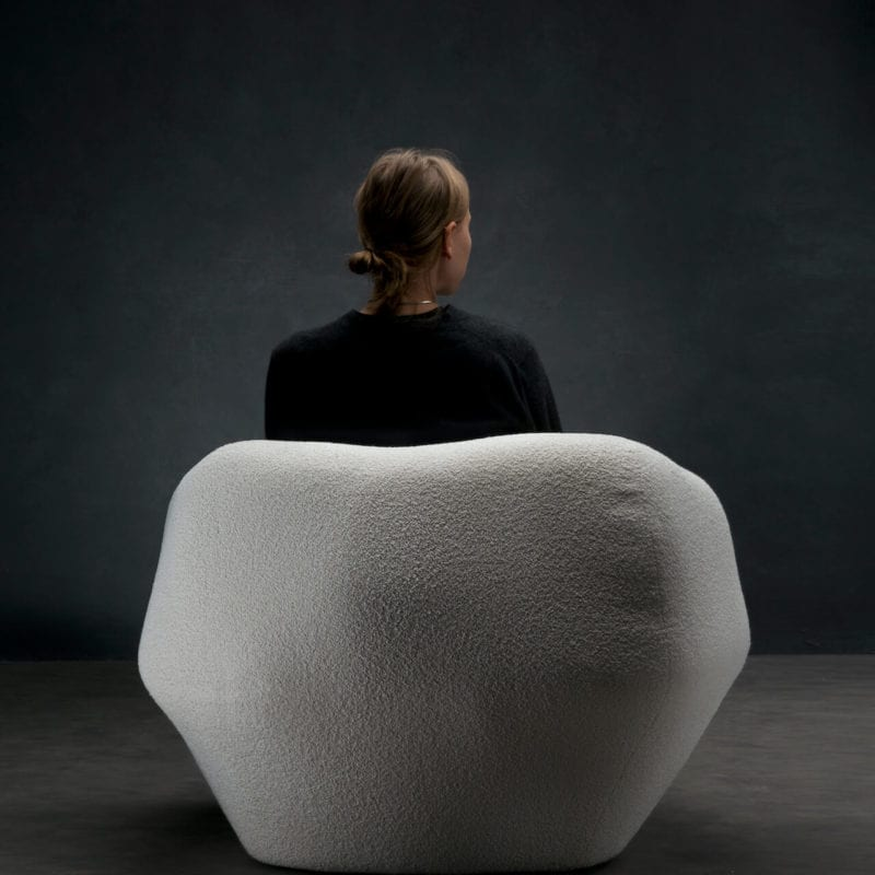 The_Invisible_Collection_Pierre_Yovanovitch_Asymmetry_Armchair_05